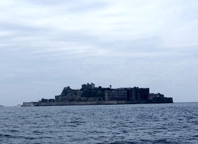 軍艦島全景ですのよ.JPG